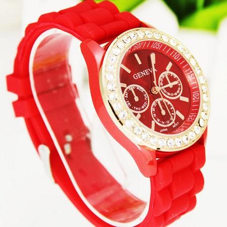 Ženska modna ura s kristalčki