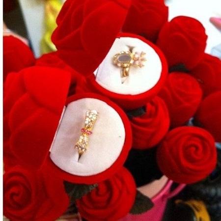 Darilna škatlica za prstan, vrtnica