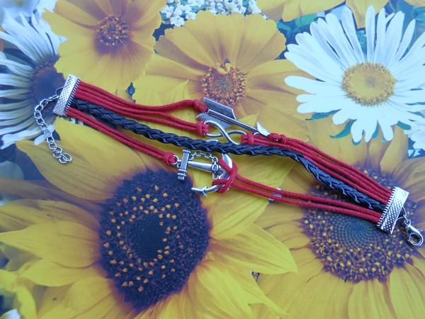 Infinity zapestnica rdeča - Puščica
