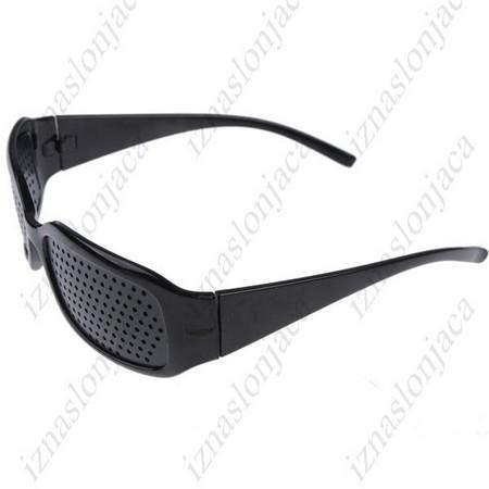 Raster očala z luknjicami za izboljšanje vida