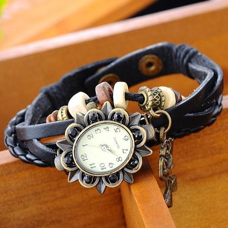 Ženska vintage ura z vrtnico