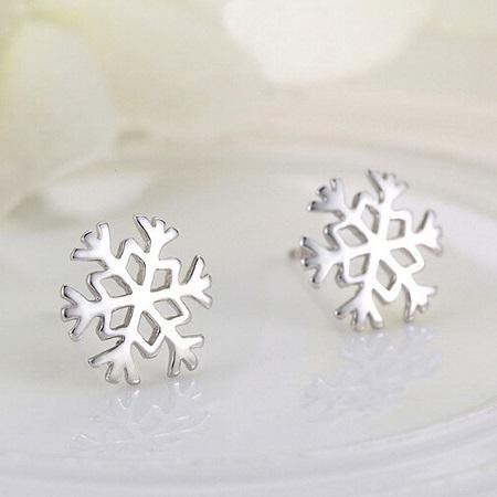 Uhani Snowflakes