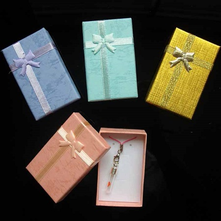 Darilna škatlica za nakit in obeske