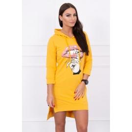 Asimetrična obleka s barvnim tiskom 64632, gorčično rumena